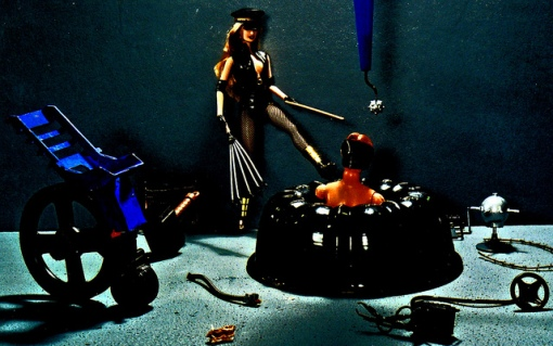 Julie Gentron - Plastica Dominatrix S&M Oswald Electro-Hag