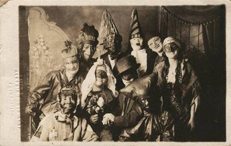 Halloween - Creepy Vintage Masks Costumes II