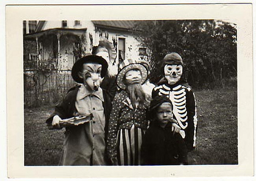 Halloween - Creepy Vintage Masks Costumes VI