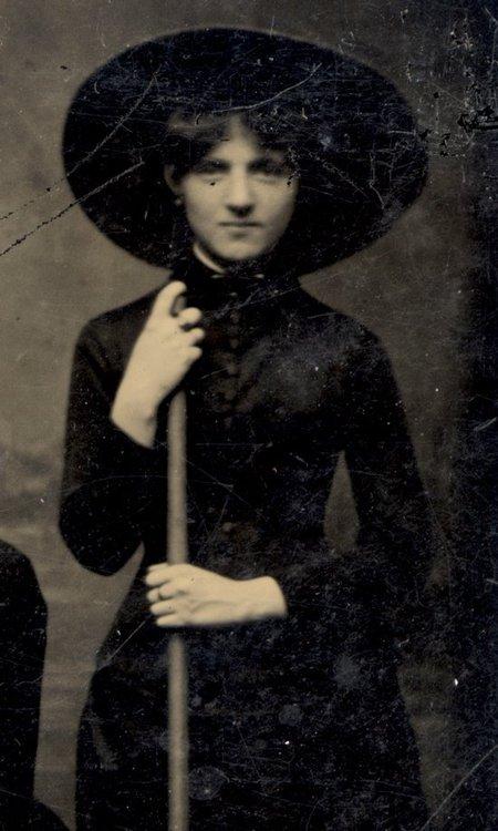 Halloween - Vintage Witch